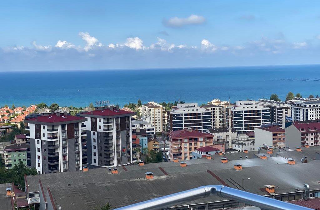 ثلاث غرف وصالة للبيع في Trabzon  كاش ستو /LA06/